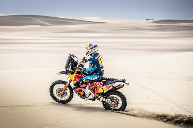 画像: 昨年の覇者、マティアス・ウォークナー。ルートの70%がサンドと言われる今ダカールは、初日から砂漠のステージ