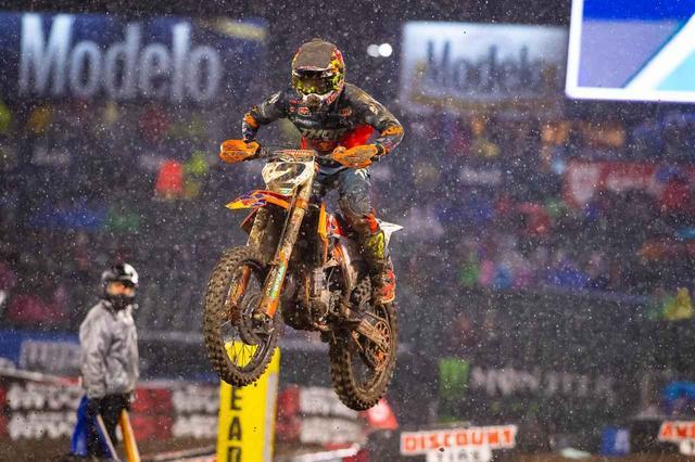 画像1: 450SX チャンピオン・アンダーソンを抑えてJ・バーシアが2013年以来の優勝