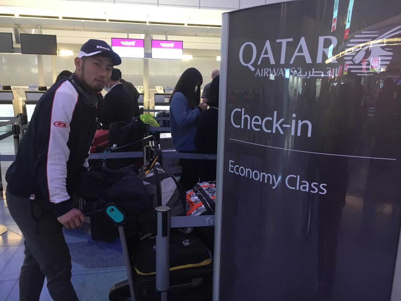 画像: カタール航空で、渡欧。28.9kgの荷物は制限ギリギリ エンデューロブーツと、トライアルブーツ両方持っていったのが辛かったですね