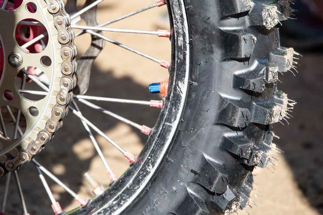画像: チャンピオンのタイヤ、空気圧は?
