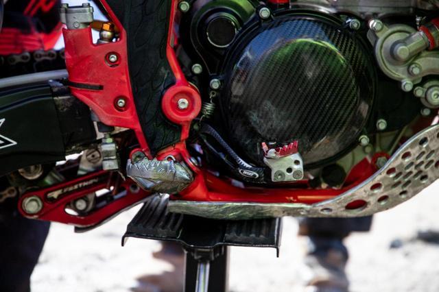 画像2: 高度なライディングテクニックは、最適なマシンセッティングから