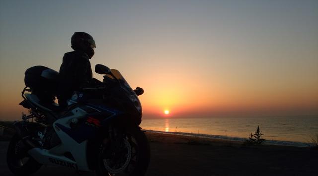 画像: 日の出から日の入りまで
