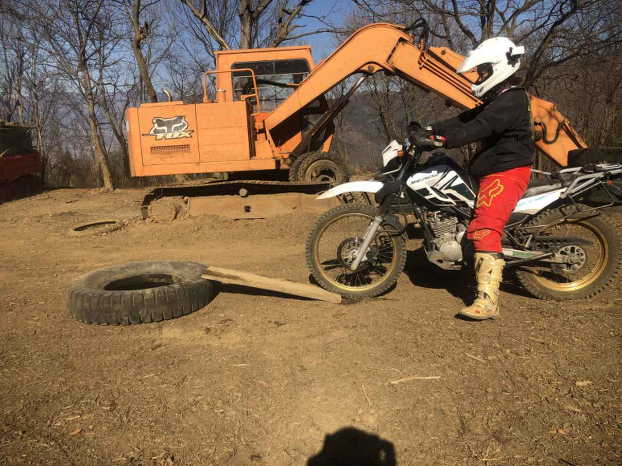画像1: 自分のバイクで丸太やタイヤを越えてみたい!!