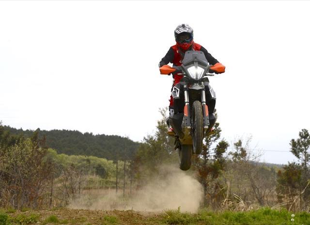画像: ベテランが持てあますほどの過激さを愉しめ、KTM790アドベンチャーR - Off1.jp(オフワン・ドット・ジェイピー)