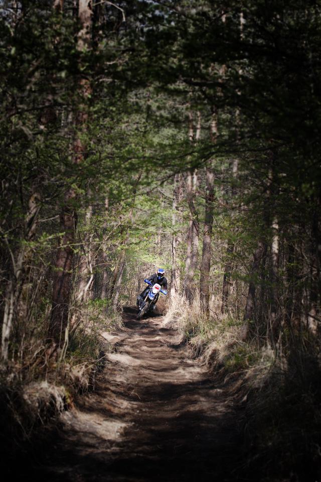 画像: アサマレースウェイのスペシャルテストは火山灰のサンド。大型のバイクでも楽しめる! Photo : Mana Saitoh