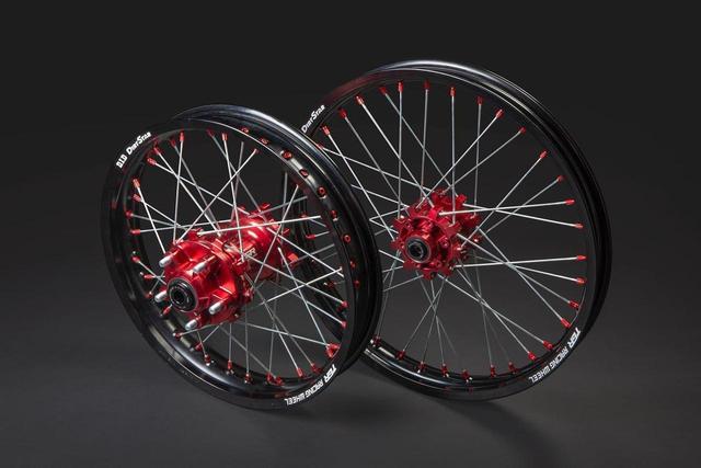 画像1: 軽量、そしてタフな作り、美しいカラーバランスで最高のバイクに
