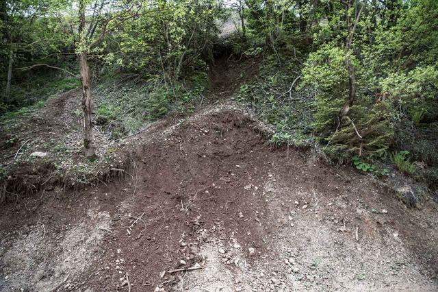 画像: 随所に現れる、土の難しいセクション。