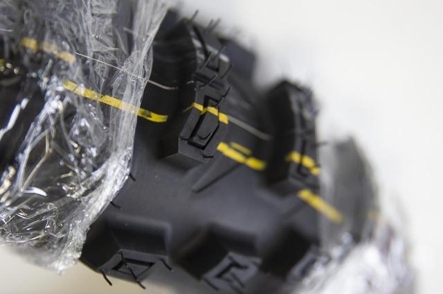 画像1: 欧州マーケットの要請によって、ブリヂストンはFIMタイヤを再開発