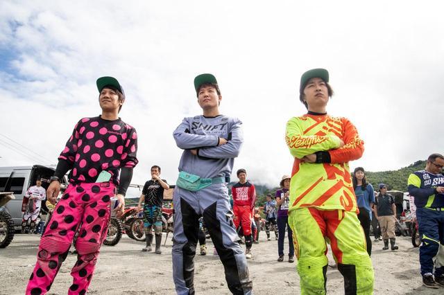 画像: 今回、HIDAKA ROCKSに参戦したFUNAI RACING主要メンバー。左から男中田、メガネ、タケル。