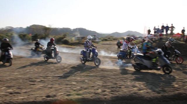 画像1: 「イロモノ」で走るゆる〜いレース