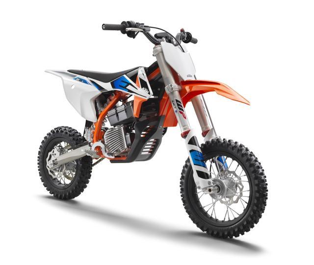 画像1: 新時代のマシン。KTMの電動キッズバイクが2019年中に海外発売