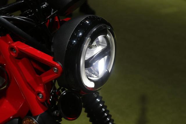 画像: ヘッドライトはクロスカブ 同様のLED