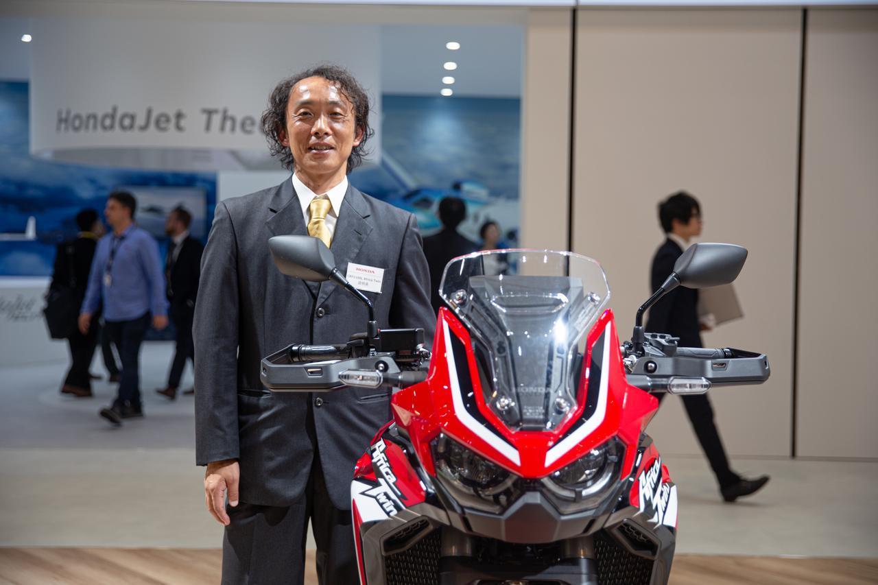 画像1: 新アフリカツインをめぐる冒険 vol.1 モーターショウで開発者が語る「日本人の望むADVの姿」