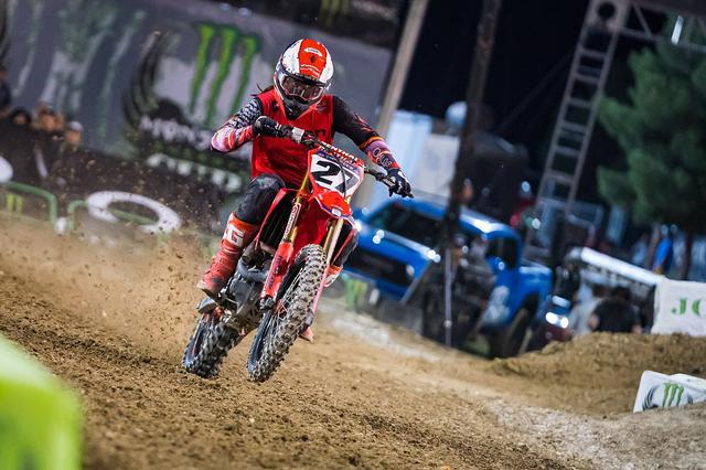 "画像1: Malcolm Stewart on Instagram: ""What a night! 3-1-3 for 3rd overall! It felt good to be back out there mixing it up with the guys. 3 solid gate drops! You fans are…"" www.instagram.com"