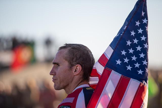画像: 今年は、アメリカVSオーストラリアで終始したトップ争い。アメリカも、かつては勝てない国だった。この勝てるアメリカの礎を創ったのは、故カート・キャッセリと、そしてその父。長く続く、アメリカの大遠征部隊は、ISDEパドックの名物