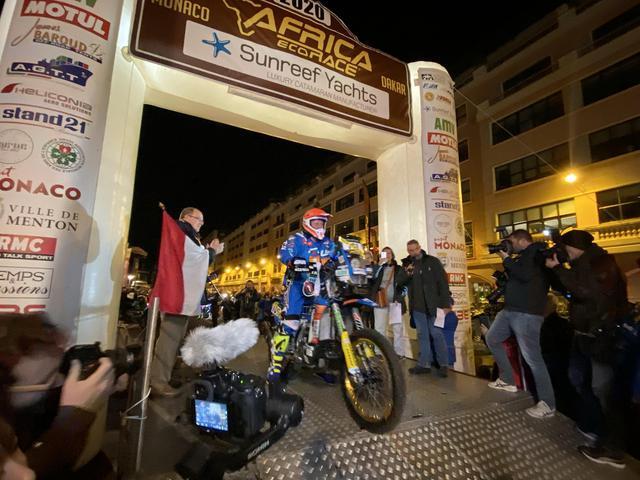 画像: 昨年の勝者、アレッサンドロ・ボットゥーリが一番にスタートした