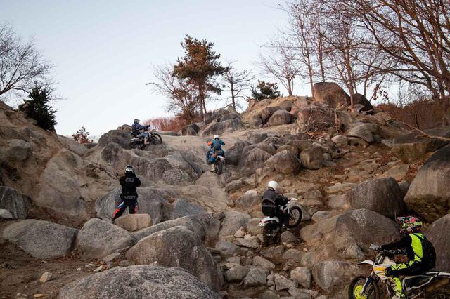 画像: RIDE LOCAL「採石場跡を利用したトライアルコース、オフロードパーク白井」 - Off1.jp(オフワン・ドット・ジェイピー)