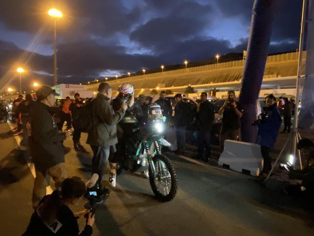 画像: タンジェ港のスタートを待つリンドン・ポスキット