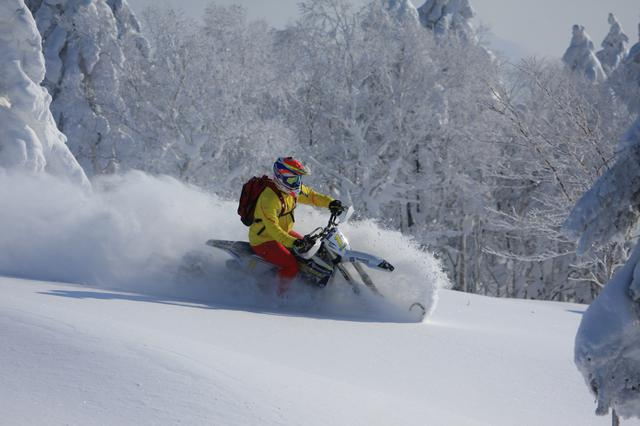 画像1: スノーバイク・ツアー体験