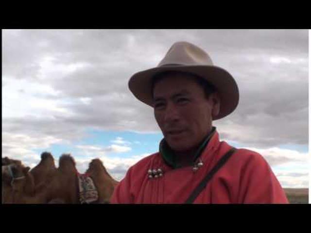 画像: 冒険家・風間深志と行く!モンゴルゴビ砂漠ラクダキャラバン2013 #3/3 www.youtube.com