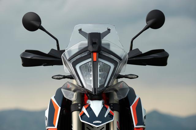 画像2: KTMのアドベンチャーといえばこの顔