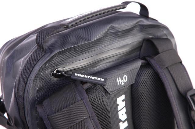画像4: 水も砂も埃も完全に防ぐ、オフローダーのためのバッグ
