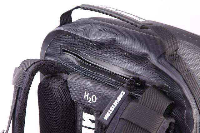 画像5: 水も砂も埃も完全に防ぐ、オフローダーのためのバッグ