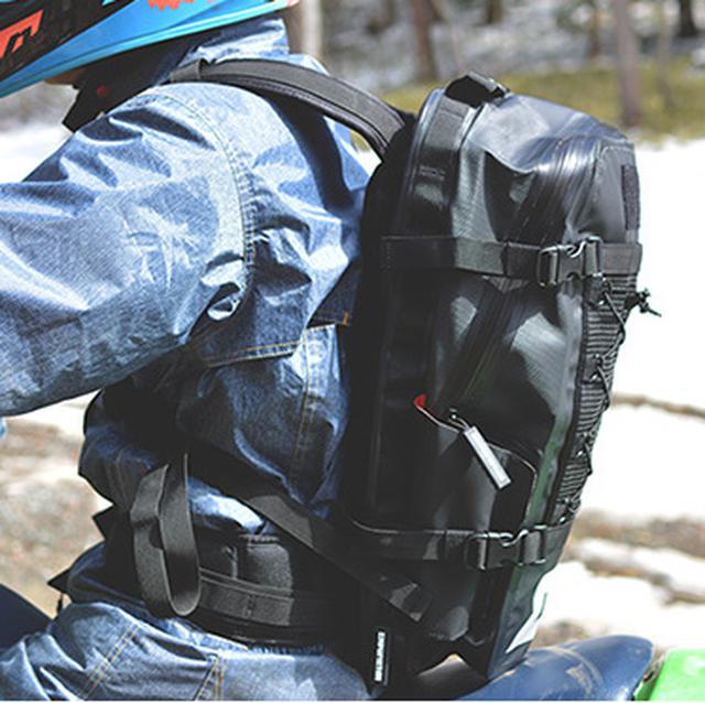 画像7: 水も砂も埃も完全に防ぐ、オフローダーのためのバッグ
