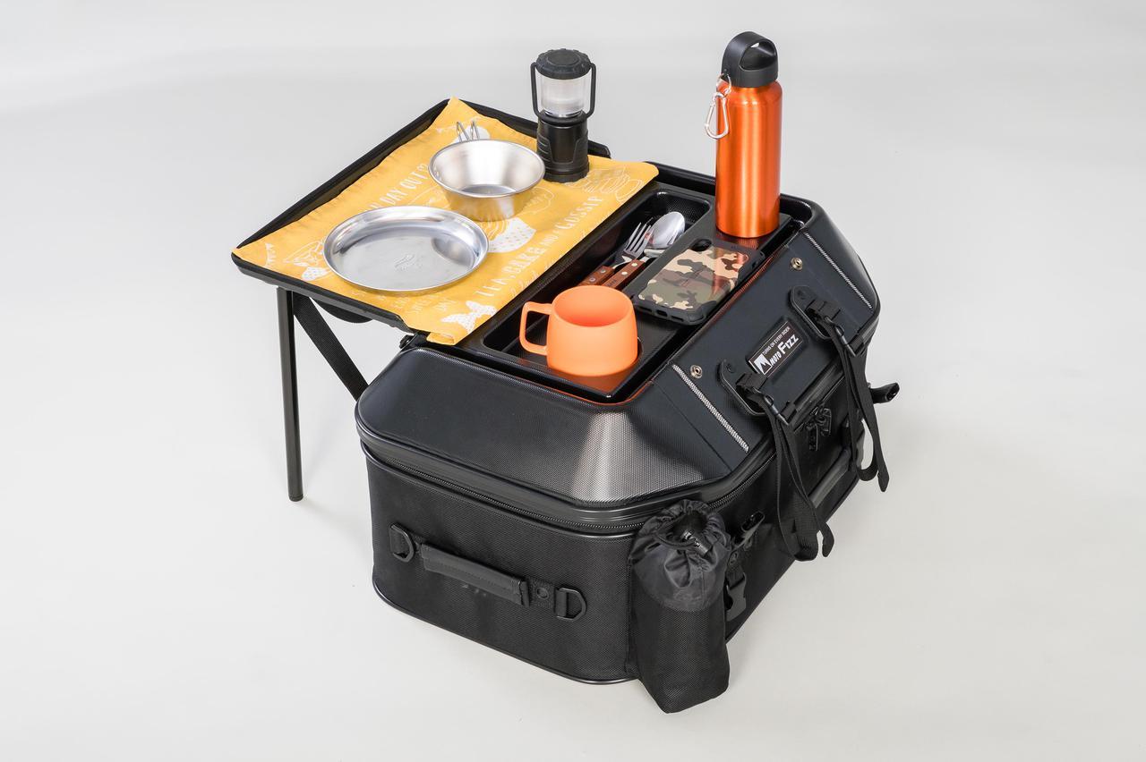 Images : 3番目の画像 - 「このシートバッグは荷物を詰めるだけじゃない。1つで2役、なんとテーブルに変形」のアルバム - webオートバイ