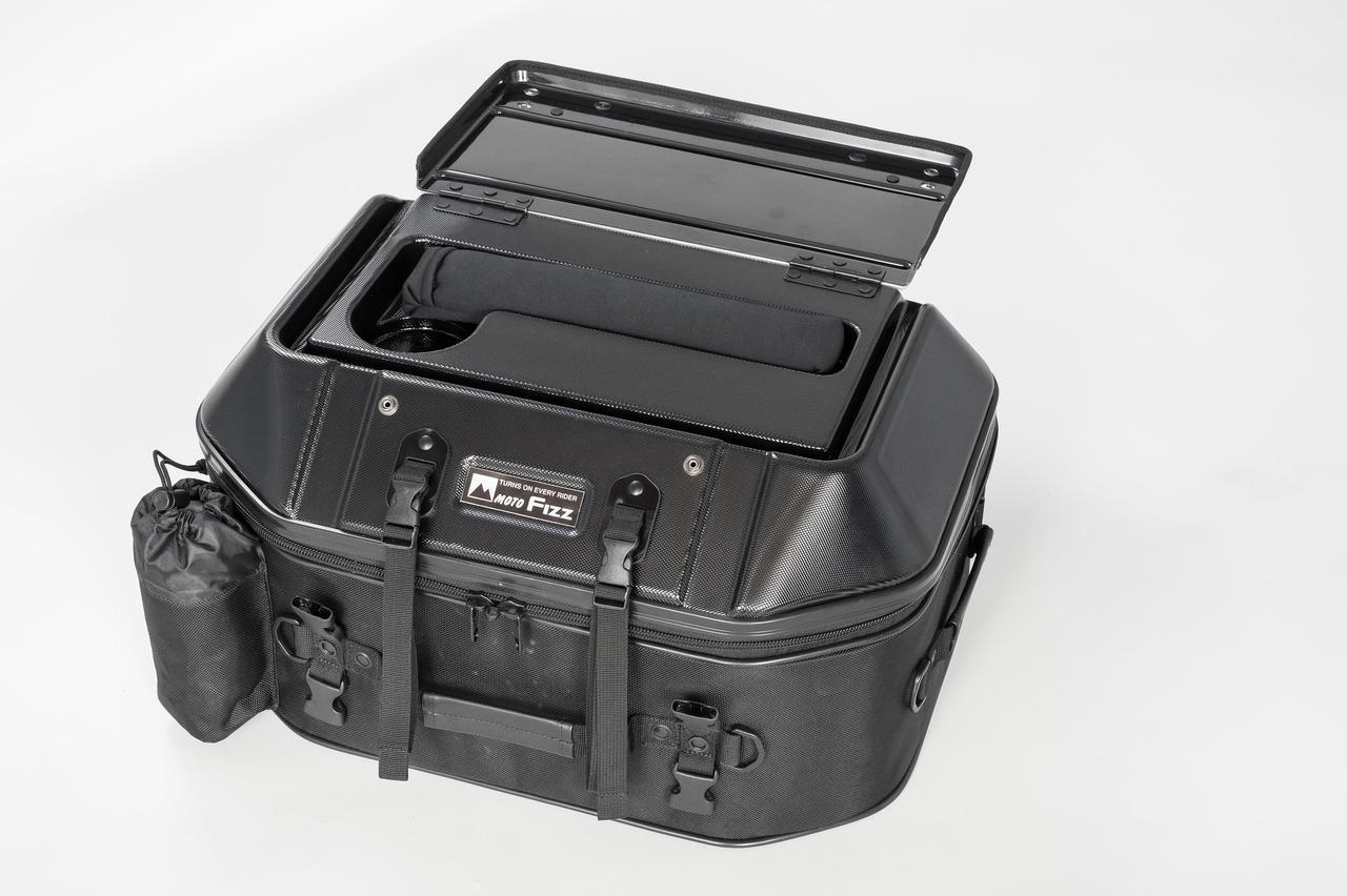 Images : 2番目の画像 - 「このシートバッグは荷物を詰めるだけじゃない。1つで2役、なんとテーブルに変形」のアルバム - webオートバイ