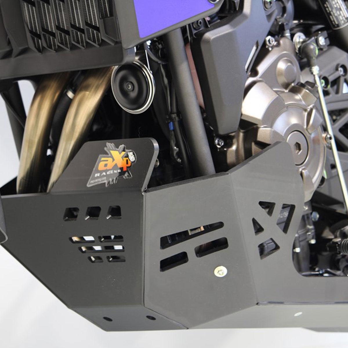 画像1: テネレ700のエンジンを8mm厚の樹脂でがっちりガード