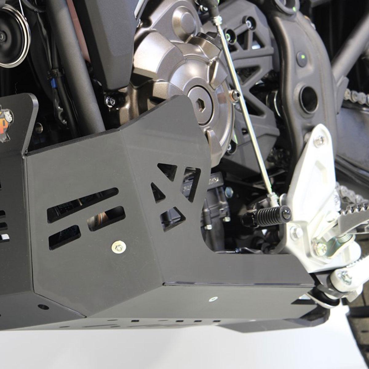 画像2: テネレ700のエンジンを8mm厚の樹脂でがっちりガード