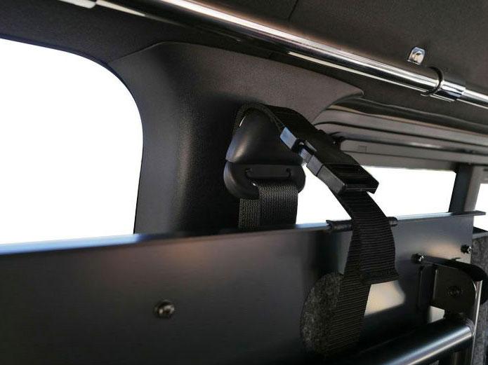 画像2: 運転席側、助手席側あなたならどっちにつける? ベッドを装備してもっと快適に