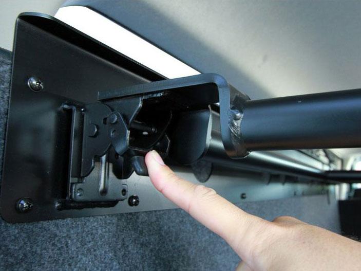 画像4: 運転席側、助手席側あなたならどっちにつける? ベッドを装備してもっと快適に