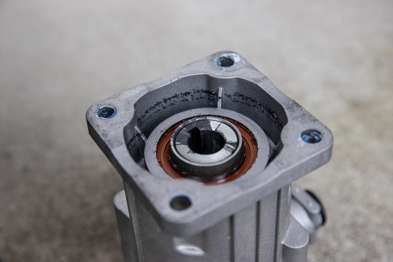 画像2: 致命的なポンプ故障も、さっと直せる洗車機。ヴィットリオの人気のヒミツ