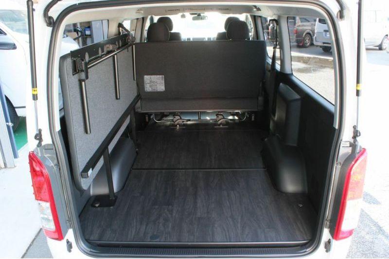 画像3: 運転席側、助手席側あなたならどっちにつける? ベッドを装備してもっと快適に