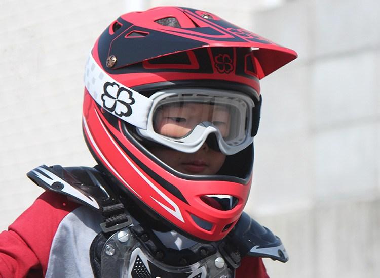 画像2: ヨツバサイクルからキッズ用ゴーグルが新発売