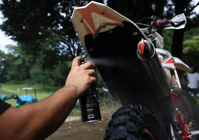 画像15: 一流メカニックの「洗車術」に目からウロコがボロボロ。高圧洗車実践編