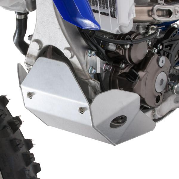 画像1: エンジン下部を包み込む、強固なアルミプレート