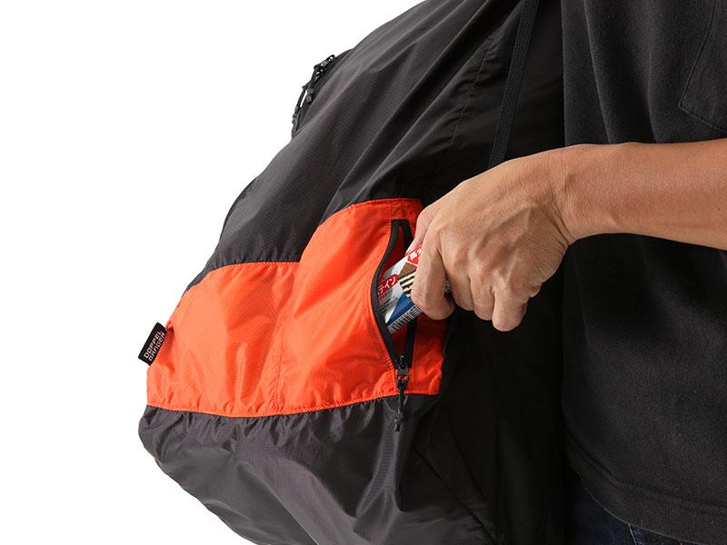 画像1: 使いやすさを考慮したポケット、ショルダー