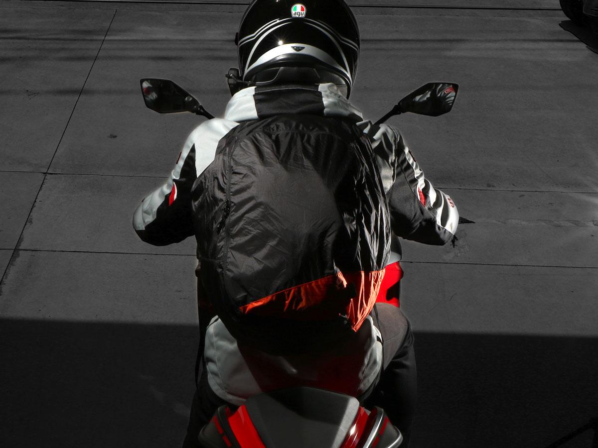 Images : 5番目の画像 - ヘルメットインリュック - Off1.jp(オフワン・ドット・ジェイピー)