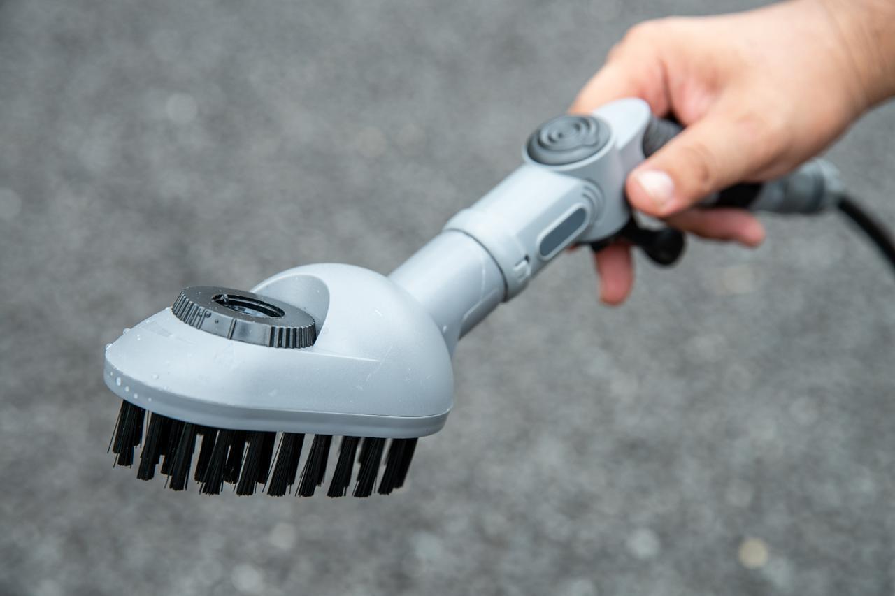 画像2: 水+洗剤+ブラシを三位一体に。どこでもいつでも使える洗車神