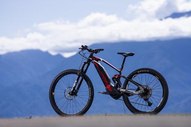 画像1: FANTICが放つハイパワーなE-MTBが、バイクでは味わえない新感覚を生み出してくれる