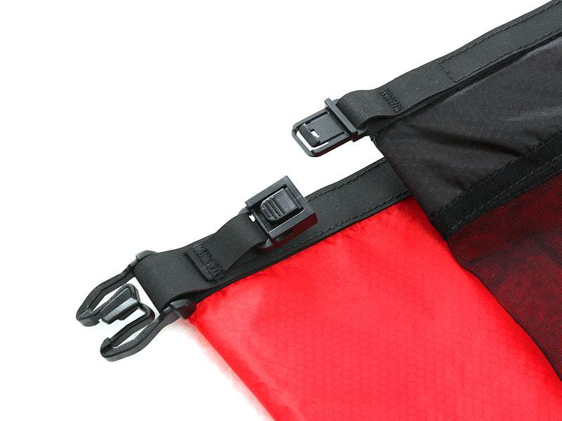 画像5: 2in1のバックパックで解決。ウェアと着替えでバッグを分ける必要ナシ