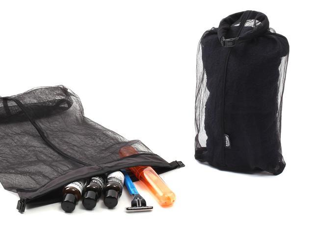画像3: 2in1のバックパックで解決。ウェアと着替えでバッグを分ける必要ナシ