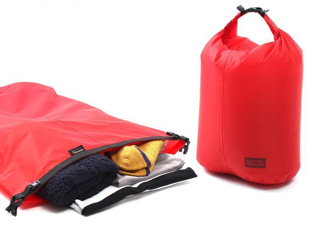 画像2: 2in1のバックパックで解決。ウェアと着替えでバッグを分ける必要ナシ