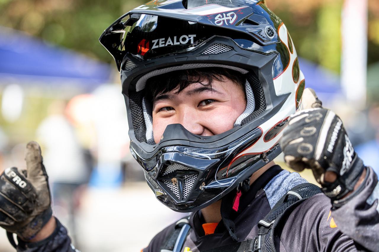 画像5: アヤトがNEWヘルメットで完勝! チャンピオンは三つ巴の争いに……