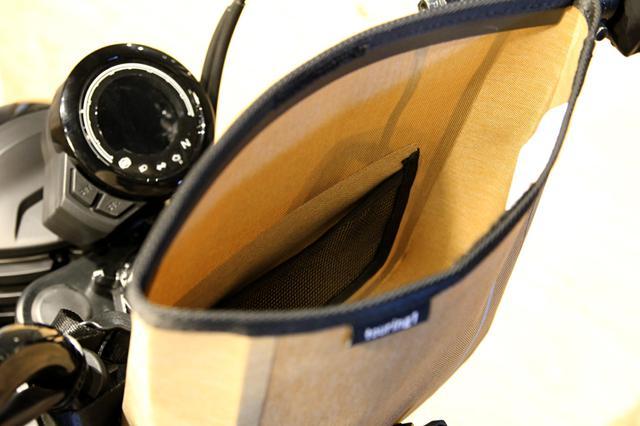 画像4: CT125ハンターカブに欲しかったのはコレ。ハンドル固定の防水ツーリングバッグ