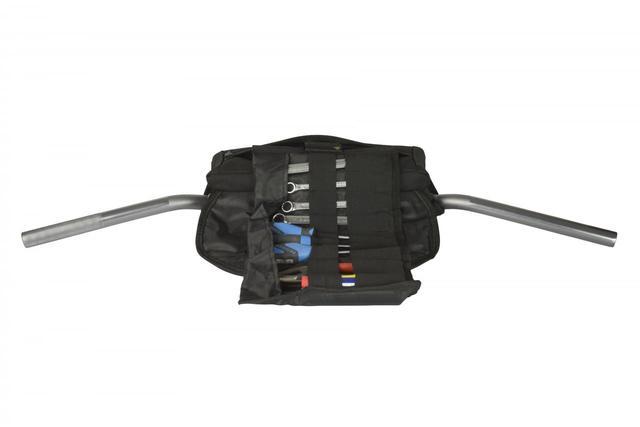 画像2: ツールバッグは体ではなくハンドルにセット。「魂の1周」を目指すなら携帯工具は大きな力になる