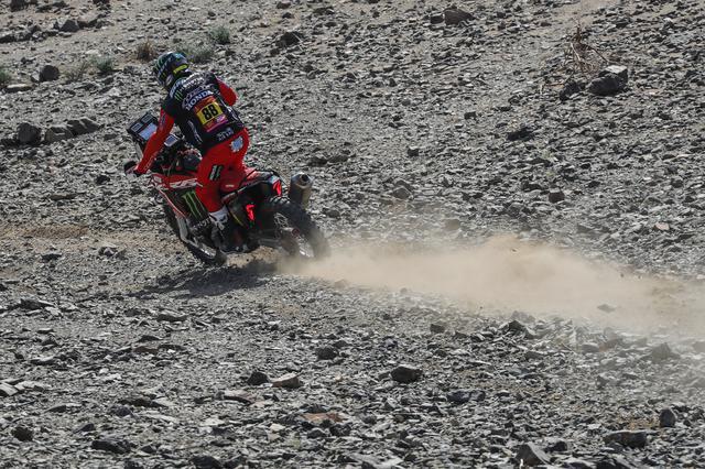 画像: 山岳地帯を快走するホアン・バレダ。速さはある一方で、最後まで走り抜く安定感が課題。